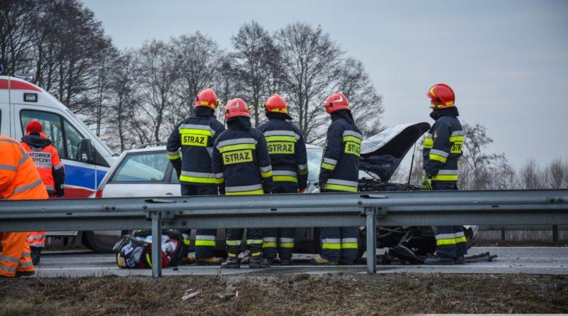 Poranny wypadek na trasie S8. Trzy osoby poszkodowane w tym jedna nieprzytomna