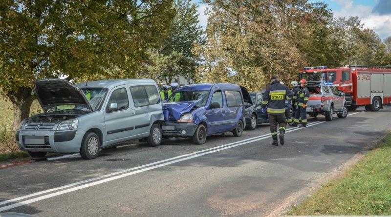Kolejne zderzenie na Dobroszyckiej. Wśród rannych dwójka dzieci