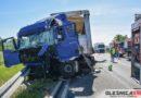 Dwie ciężarówki zderzyły się ze sobą aby nie staranować autobusu pełnego dzieci