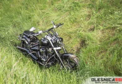 Motocykl wypadł z drogi. Nietypowe zdarzenie na węźle Oleśnica Północ