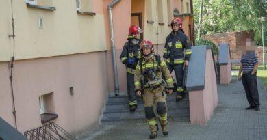 Płonął olej w mieszkaniu przy ul. Rycerskiej