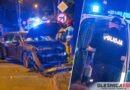 Nocna jazda Peugeota zakończona na drzewie- kierowca był nietrzeźwy?
